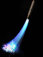 فیبر نوری چیست؟ سیر تحول فیبر نوری و فن آوری ساخت آن